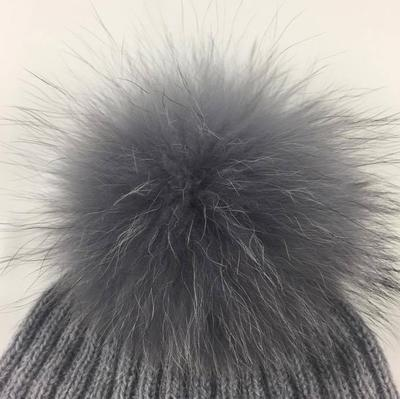 Pompon blue grey